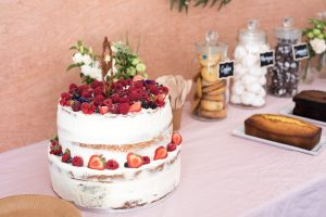 Naked cake fruits rouges toulouse