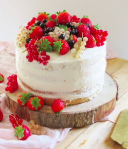 Naked cake mariage fruits rouges